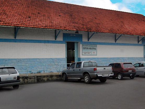 Escola Municipal de Ensino Profissionalizante de Confecção Industrial