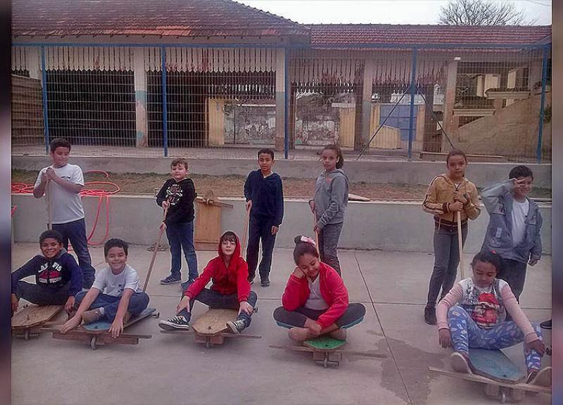 Escola realiza brincadeira folclórica