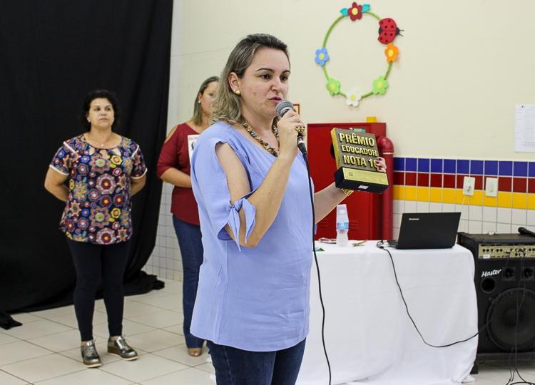Professora de Assis, vencedora do Prêmio Educador Nota 10 de 2017, participa do Congresso Bett Educar