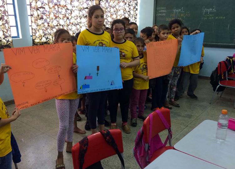 """Atividades pedagógicas relativas à peça """" Vim Ver Maria"""" são aplicadas aos alunos dos 4º e 5º anos da rede municipal de ensino"""