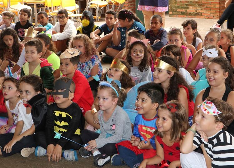 Atividade de Carnaval na EMEIF Prof.ª Guiomar Namo de Melo