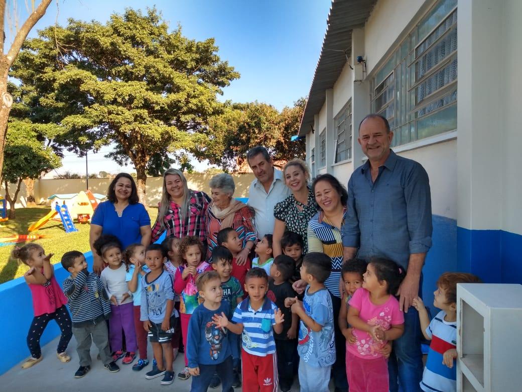 José Fernandes e Márcio Veterinário visitam EMEI Pequeno Aprendiz