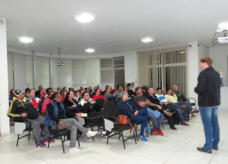 Professores da Rede Municipal recebem instruções técnicas do Programa Atleta do Futuro