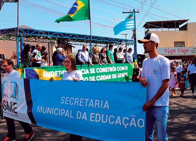 Educação Municipal participa do desfile cívico de 7 setembro