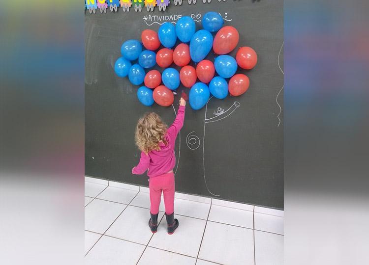 """260 crianças da escola Hilda Miras participam do Projeto """"Brincar é Divertido"""""""