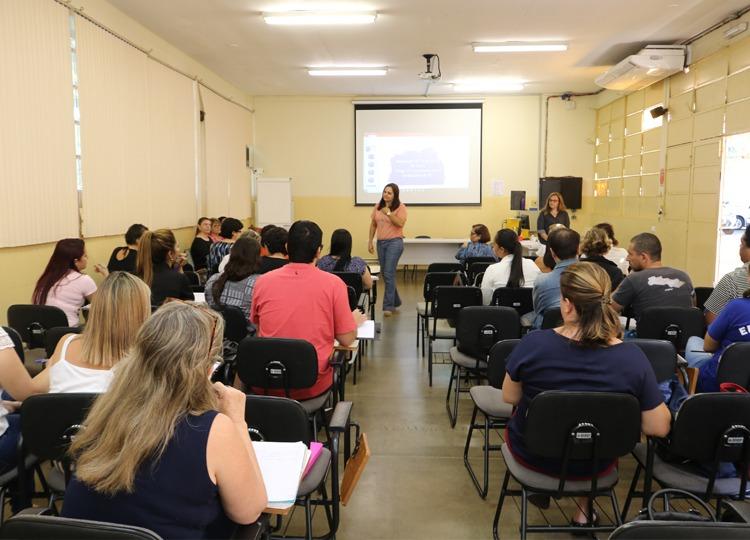 Educação Municipal participa de Formação Continuada do Programa Ler e Escrever e do Projeto EMAI